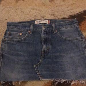 Levi's denim jean skirt!